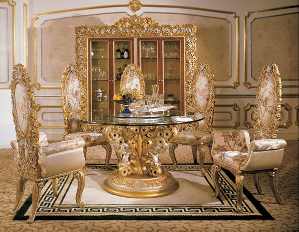 Italian Round Dining Room In Classic Style   Top And Best Classic Furniture  And Classical Interior Design Italian Companies