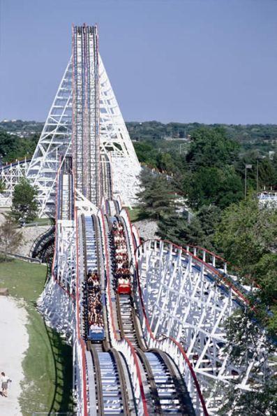 Six Flags Great America Gurnee Illinois United States Of America Great America Roller Coaster Ride Theme Parks Rides