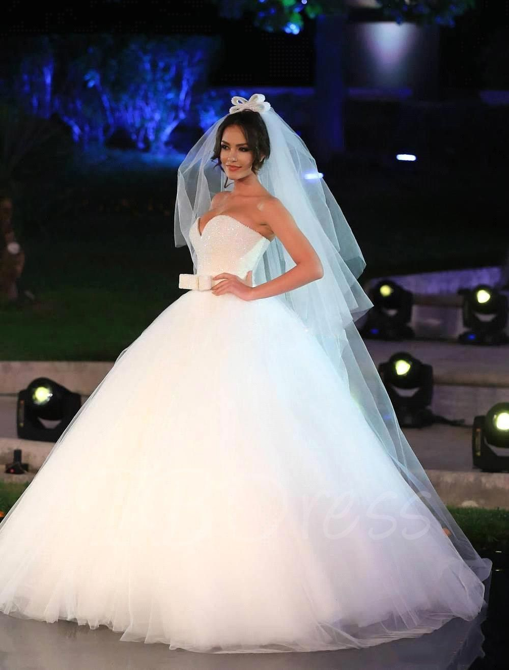 Plus size sweetheart beading sequins ball gown wedding dress