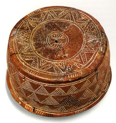 Early Minoan Incised Ware