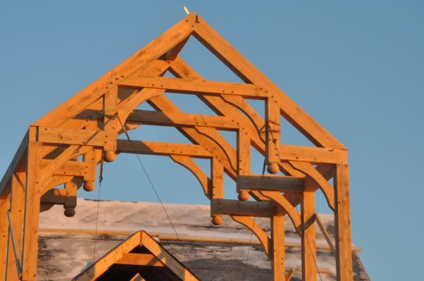 Timber Frame Home Timber Frame With Images Timber Frame Barn Timber Frame Homes Timber Frame Construction