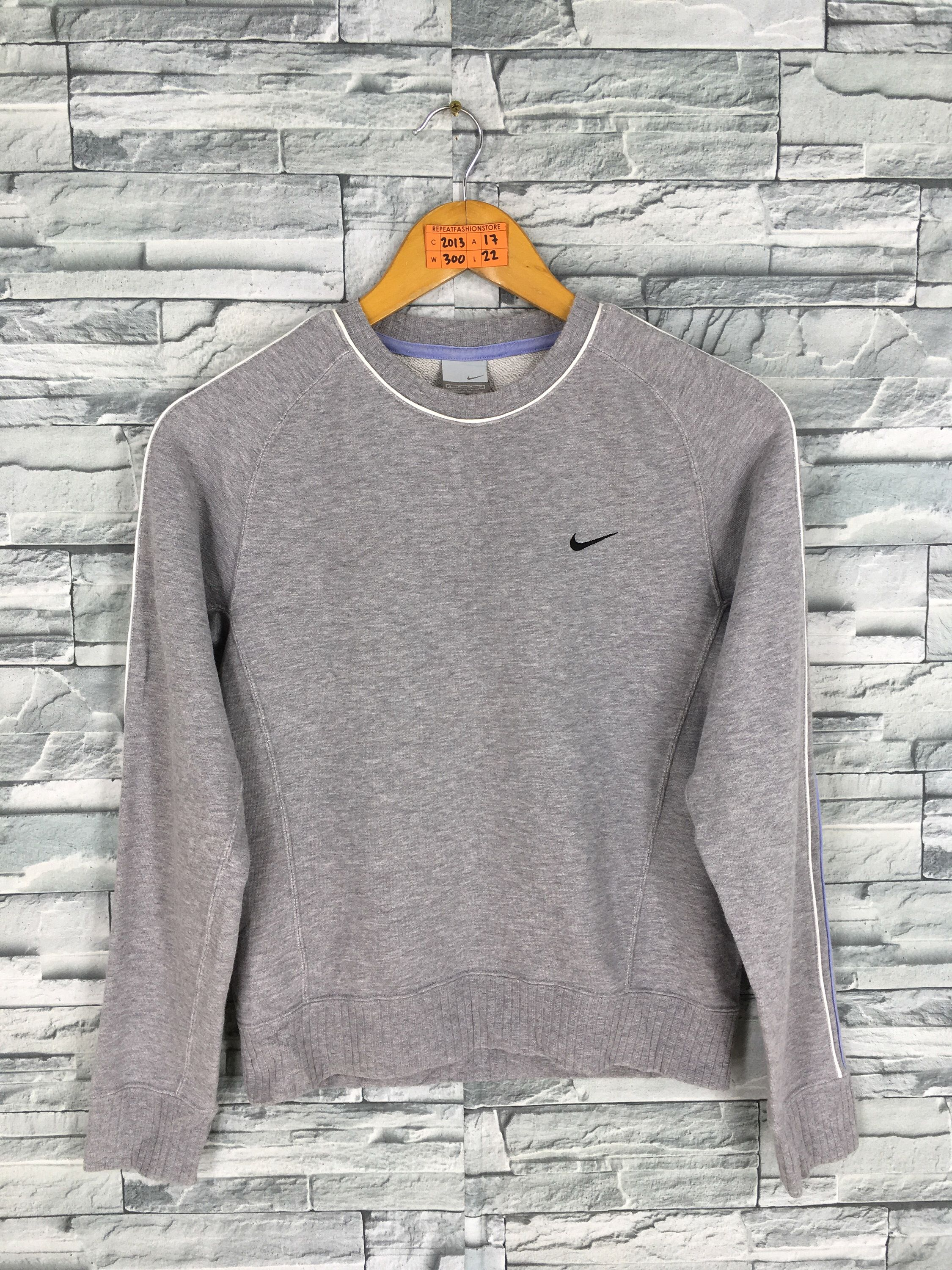 Excited To Share This Item From My Etsy Shop Vintage 90 S Nike Sweatshirt Small Ladies Nike Swoosh Sportswear Nike Sweatshirts Sweatshirts Sweatshirts Women [ 3000 x 2250 Pixel ]