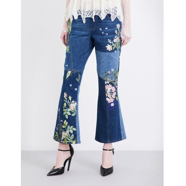 ALEXANDER MCQUEEN Embroidered patchwork flared cropped mid-rise jeans (13.195 RON) ❤ liked on Polyvore featuring jeans, flared cropped jeans, flower print jeans, cropped jeans, alexander mcqueen and flare jeans