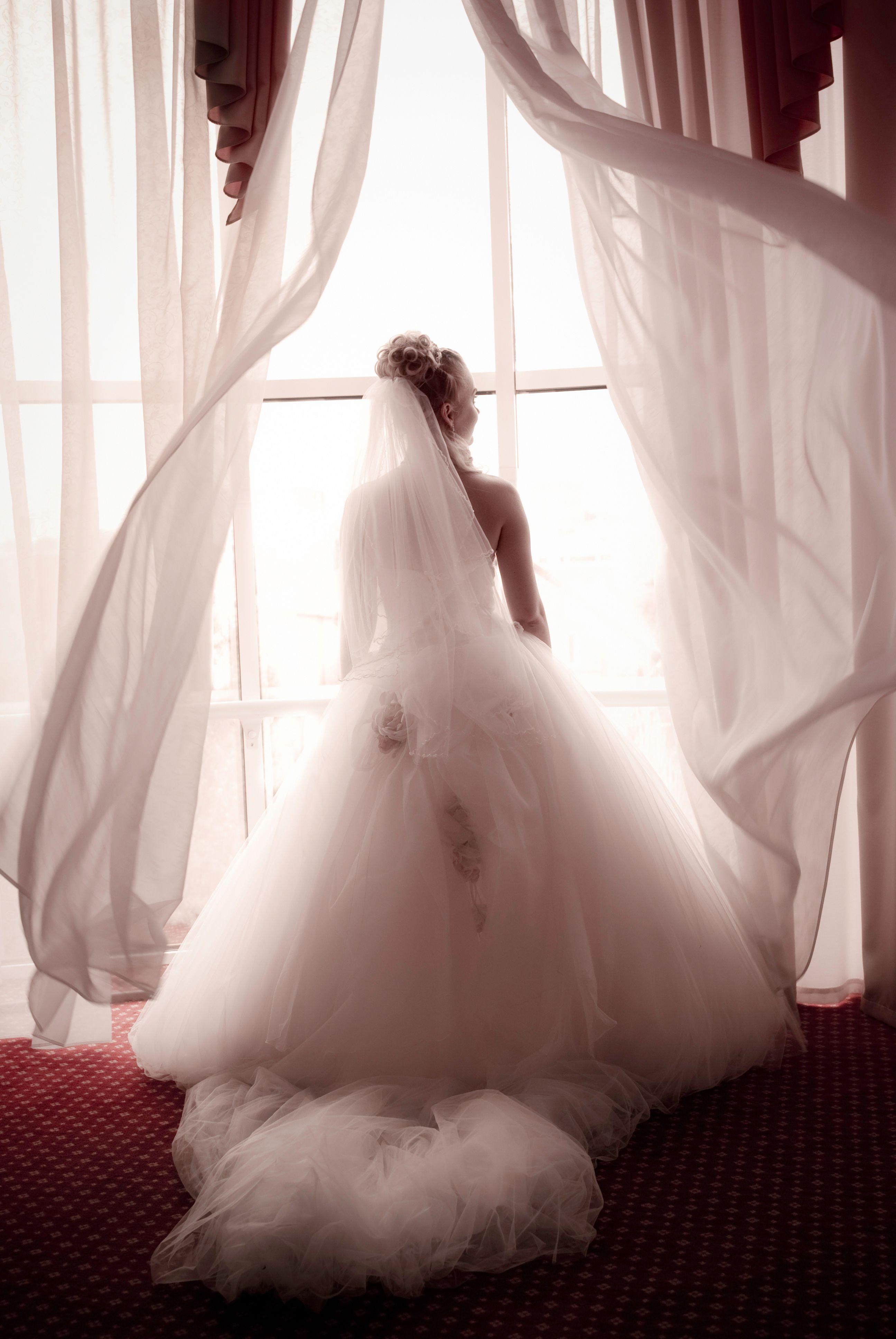 Love this pose. #wedding #photography | Young bride, Ballroom wedding, Smoky mountain wedding