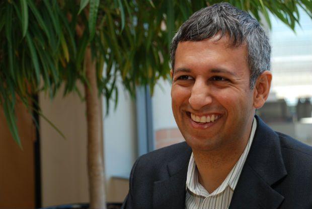 """Manish Bapna: """"Proteção ambiental não se opõe a redução da pobreza"""" -Manish Bapna: """"Environmental protection does not preclude the reduction of poverty"""" - Manish Bapna, director of the World Resources Institute (Reuters) #RioPlus20"""