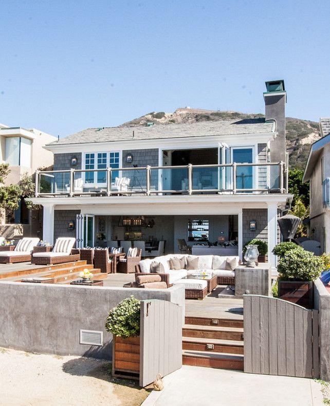 Beach House. California Beach House With Coastal Interiors