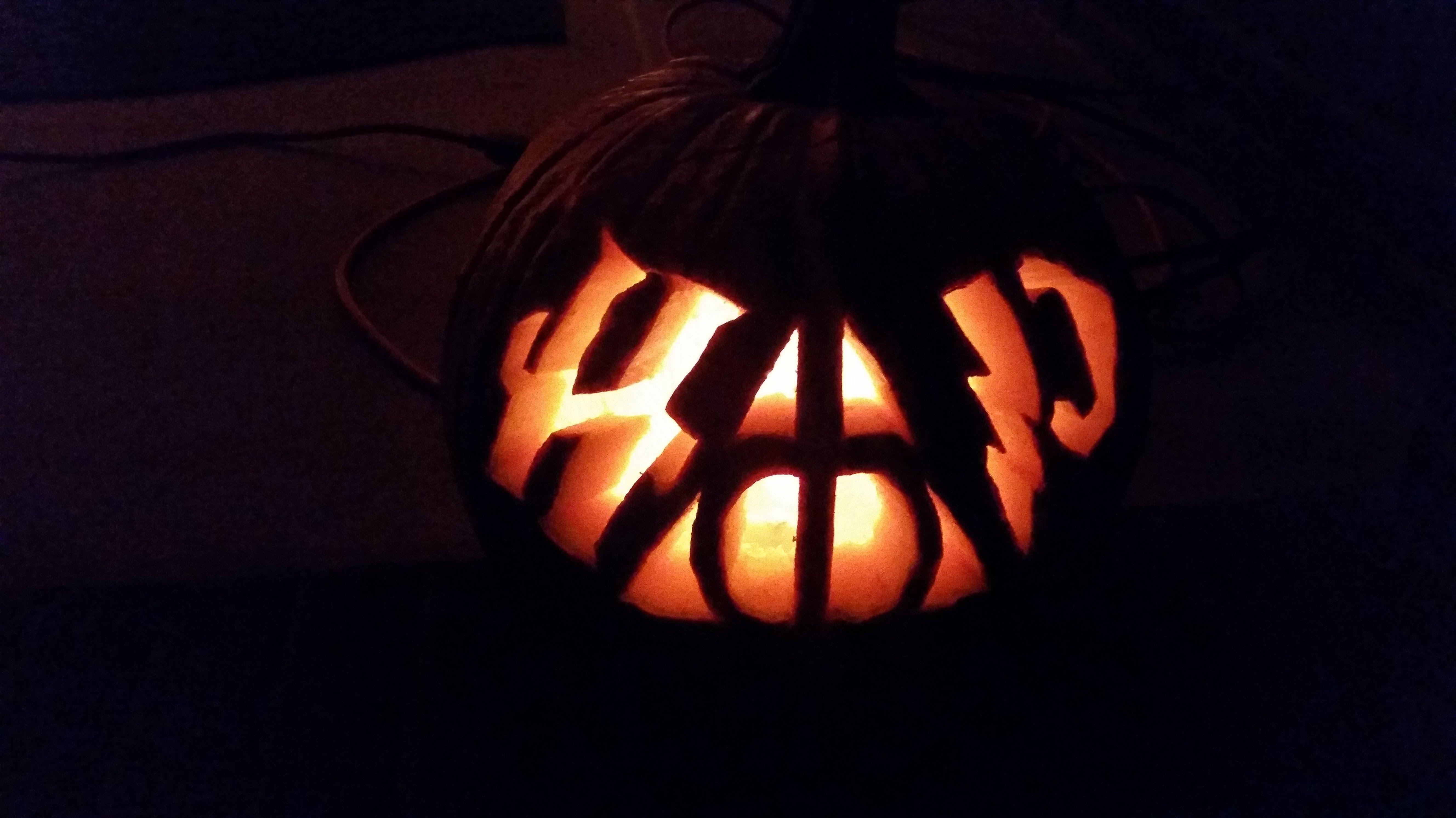 Harry Potter Deathly Hallows Halloween Pumpkin Carving Design Pumkincarvingdesigns Harry Potter Harry Potter Kurbis Halloween Kurbis Kurbisschnitzmuster