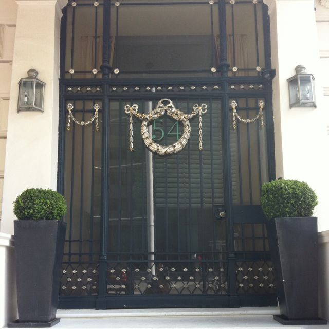 Love this Front door & planters (kensington, london) | For the Home ...