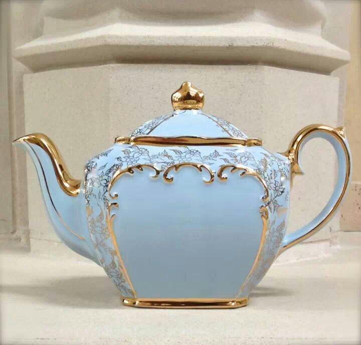 baby blue and gold sadler teapot teapots pinterest teekanne geschirr und porzellan. Black Bedroom Furniture Sets. Home Design Ideas