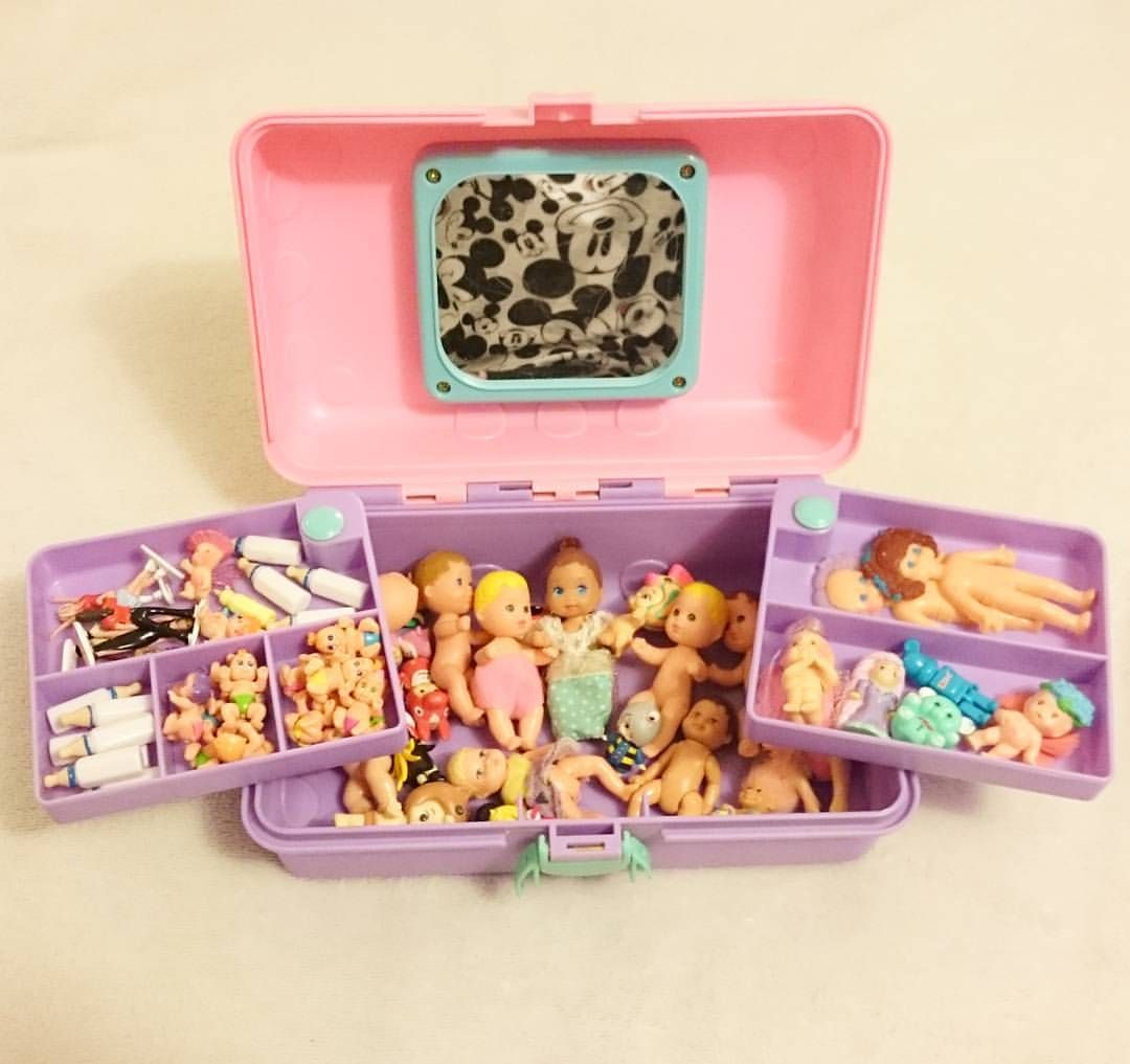 MATTEL MINIATURE BARBIE KELLY DOLL 1//6 TOY DOLL ACCESSORY WITH PRESENT GIFT BOX