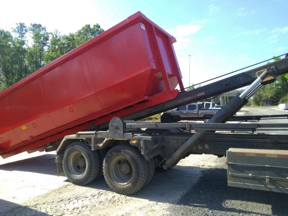 New Dumpsters Built For Jeff Rastrelli Land Clearing 20 Yard Dumpsters For Sale Cedar Manufacturing In 2020 Roll Off Dumpster Dumpster Yard