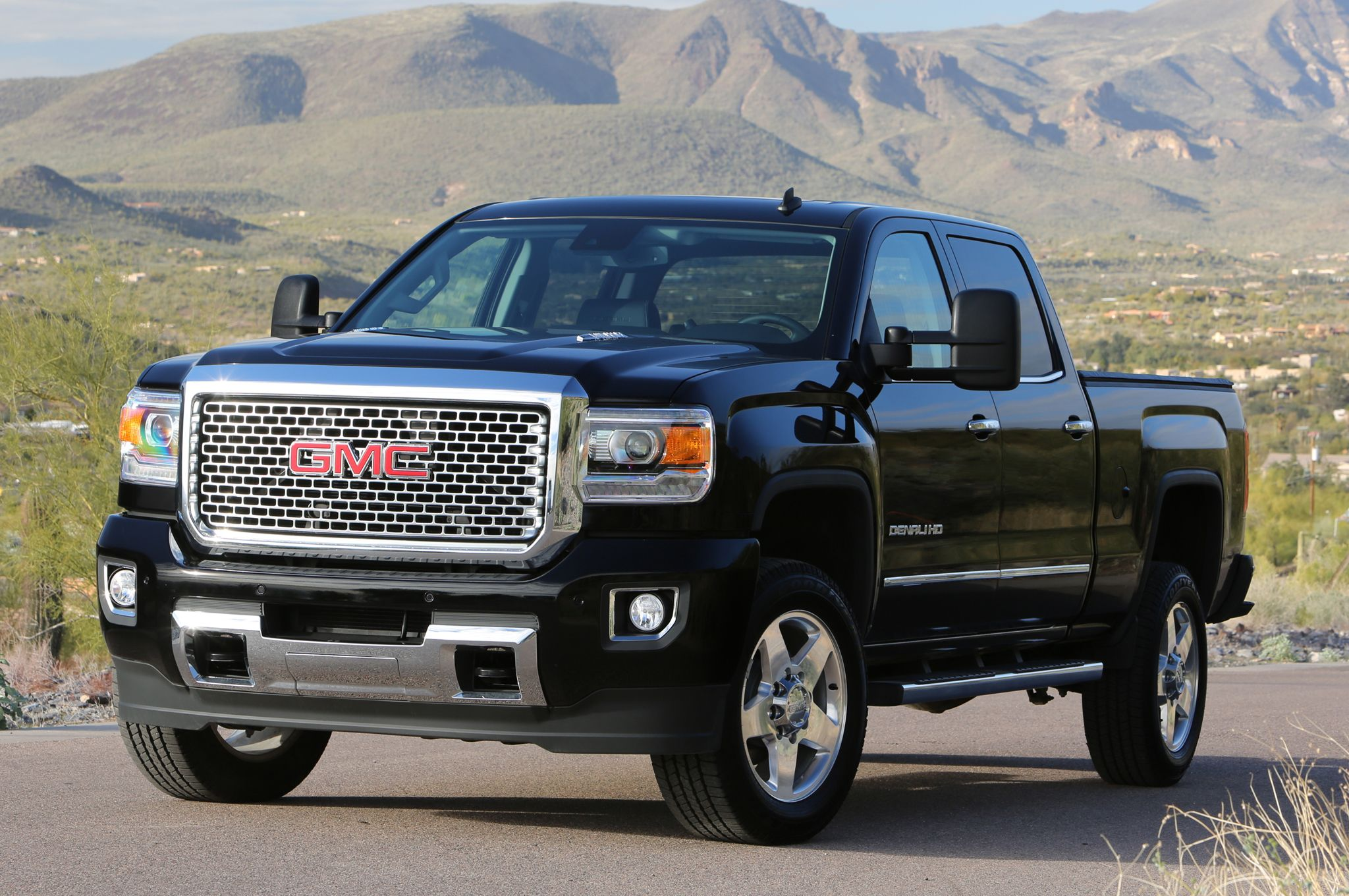2015 gmc sierra 2500hd denali front three quarters photo 7