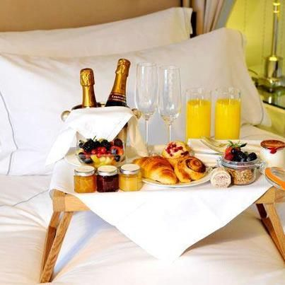 Check out breakfast in bed it 39 s so easy to make luxury for Easy breakfast in bed ideas