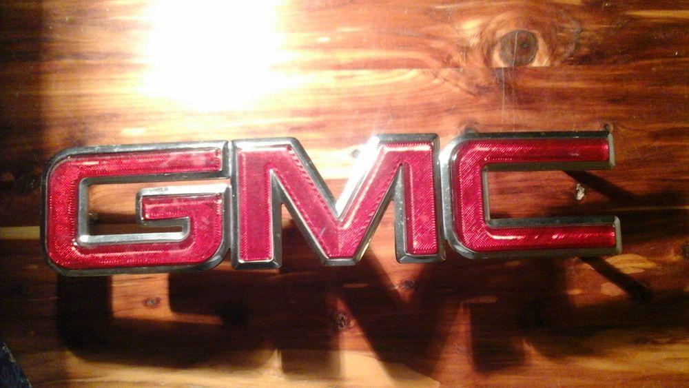 Gmc Oem Front Grille Emblem Red Chrome 15530934 Gm Yukon
