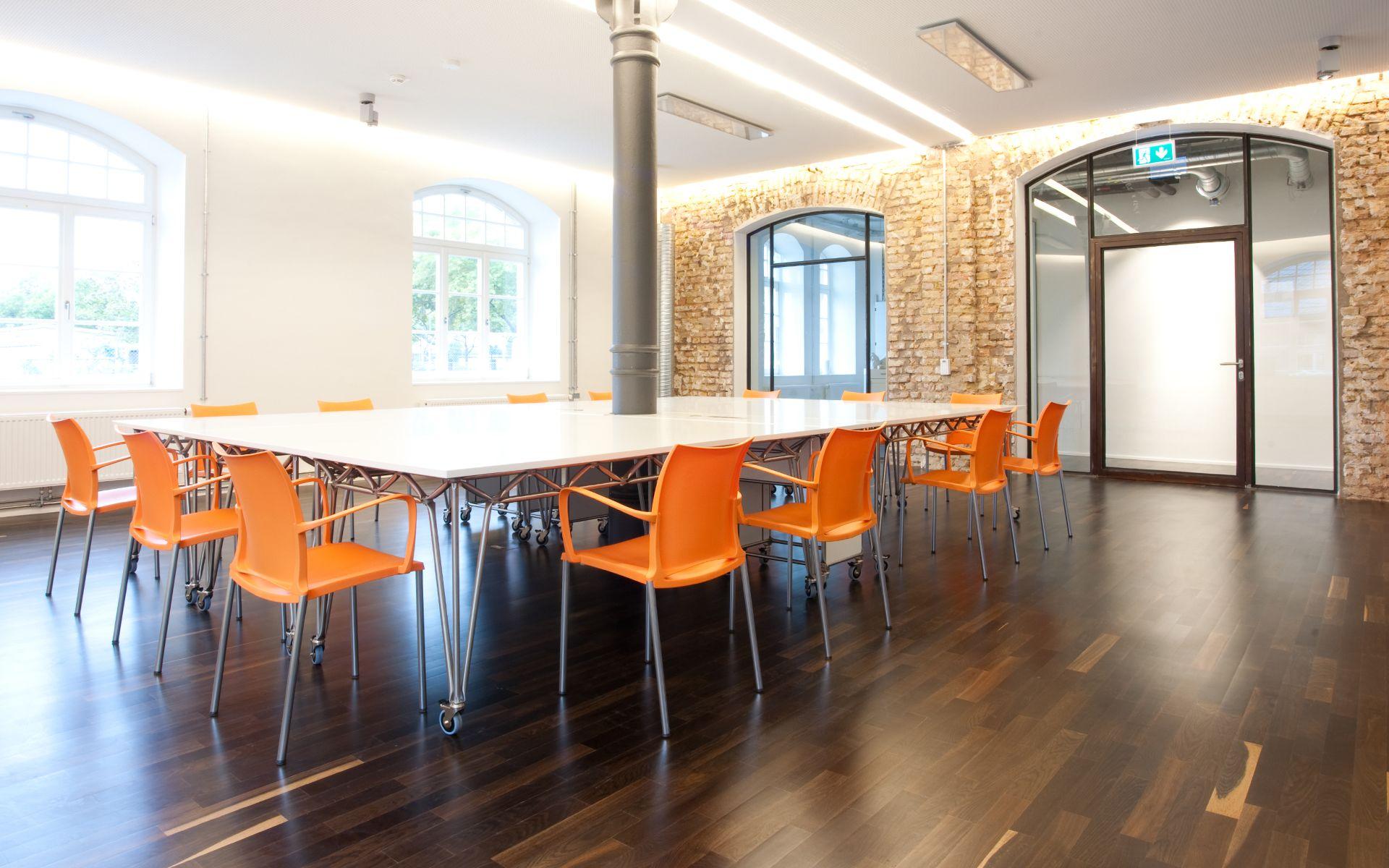 Modulare Büroeinrichtung Möbelbausystem Vrmagic System 180