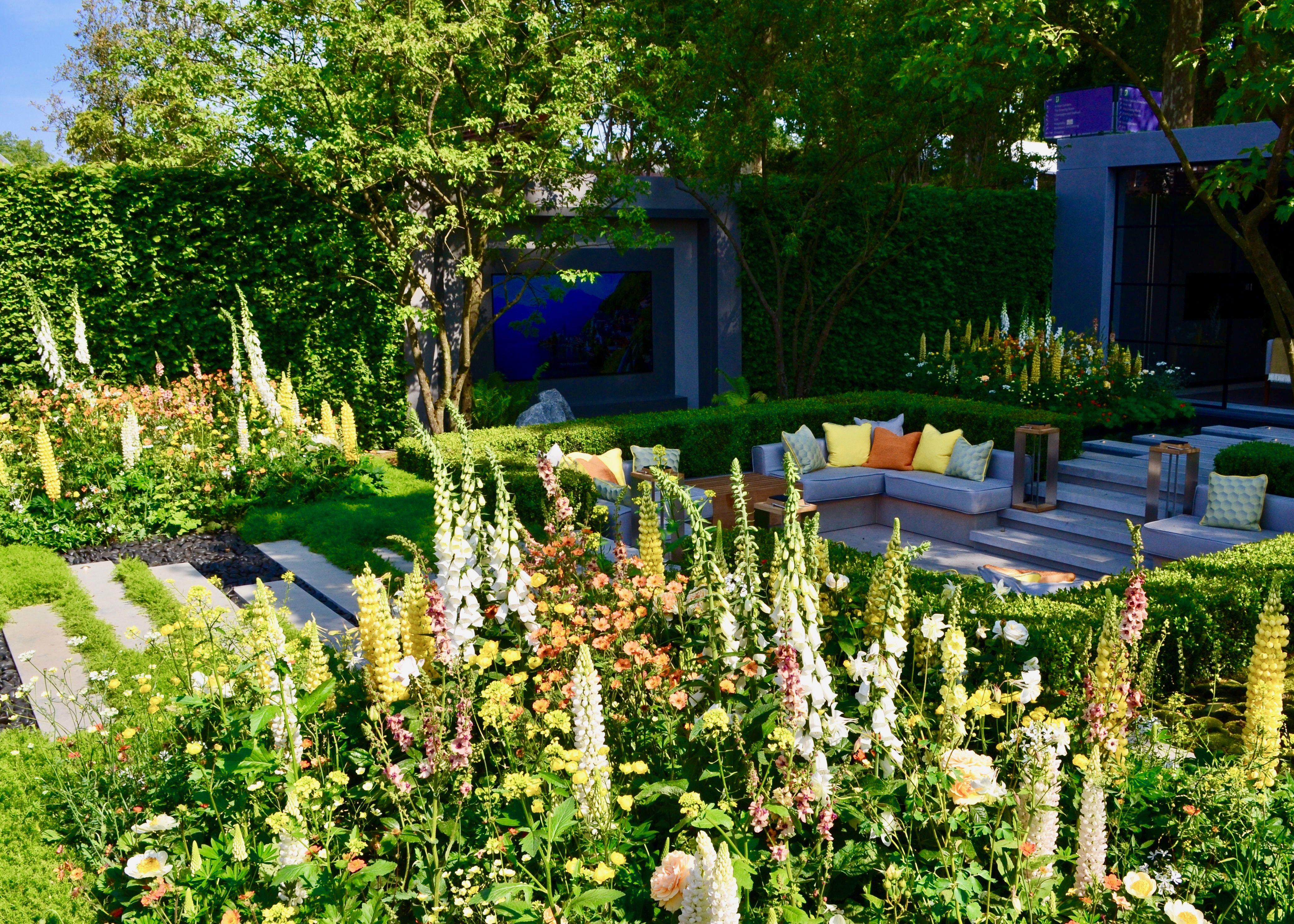 The LG EcoCity Garden, a SilverGilt Show Garden award