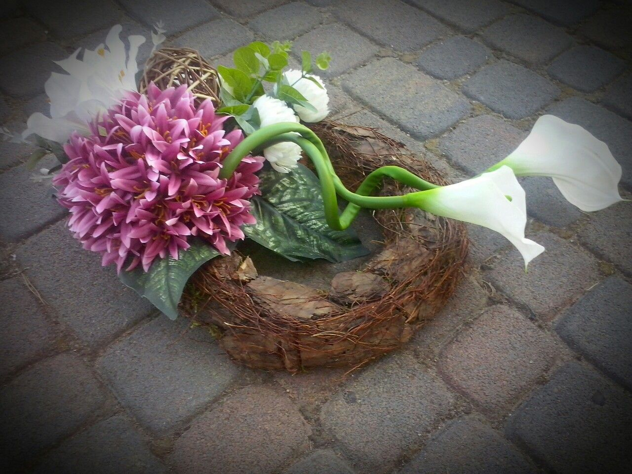 Kompozycje Nagrobne 2016 Biale Kalie Plants