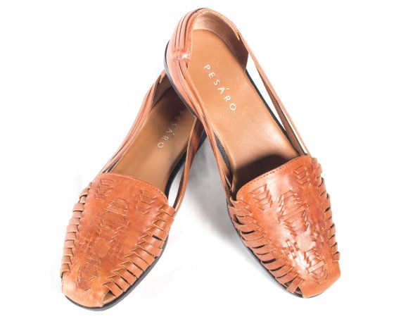 659448aa58e7 VTG 90 s Brown Leather Huarache Sandals size 7 1 2 Womens Strappy Woven  Summer Flats Huaraches Vintage Sandals