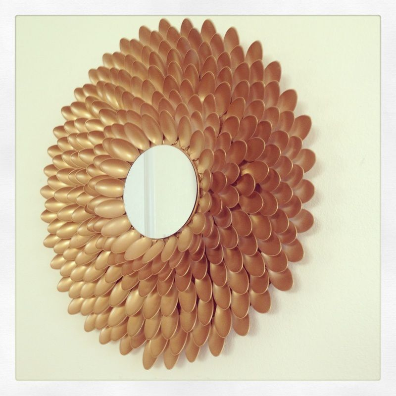 Gold diy spoon mirror diy pinterest spoon mirror for Plastic spoon flower mirror