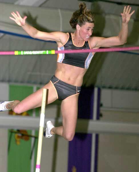 Stacy Dragila - World Record Pole Vault