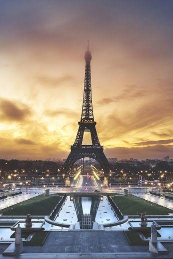 Paris la ciudad de las luces. Paris the city of lights