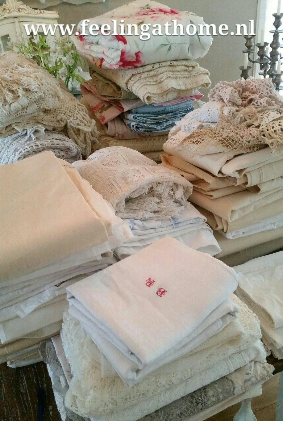 I went shopping for antique and vintage linen yesterday in France for my shop www.feelingathome.nl ♡♡  Don't you love it too?