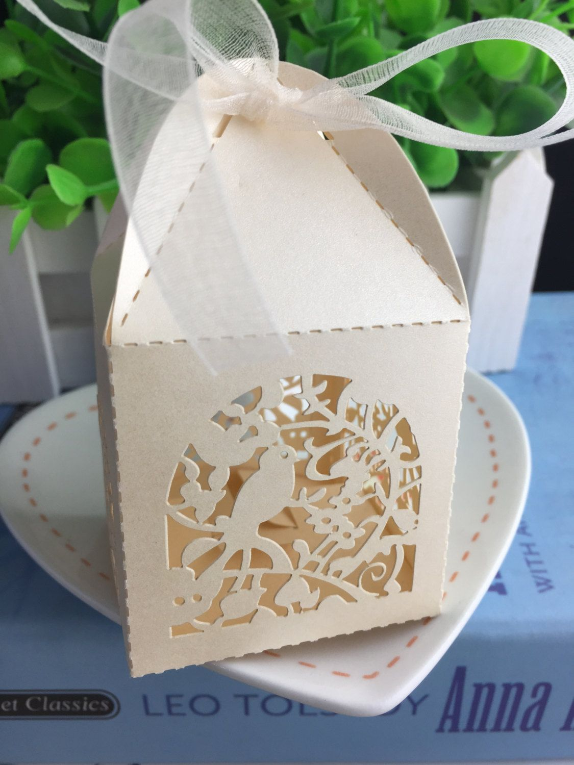 100pcs FreeShipping Wedding Gift Boxes,Laser Cut Chocolate Packaging ...