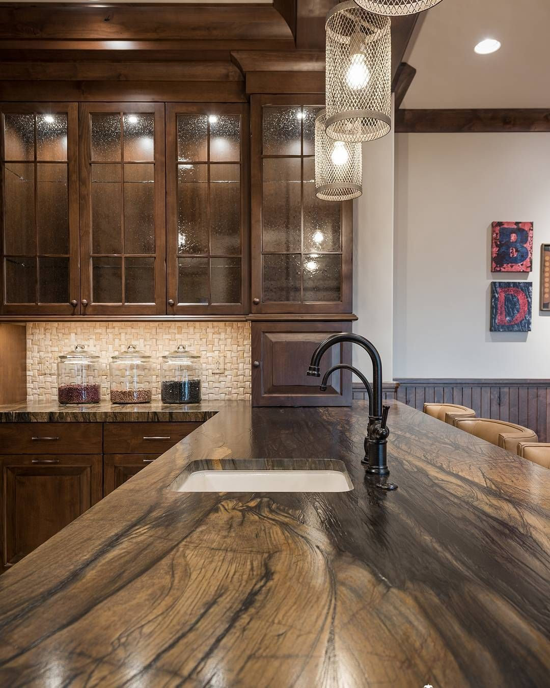 Stylish And Functional Bat Kitchen In Parkcity Utah Cameohomesinc Utahhomes Cabinetry Cabinets Countertops Houzz