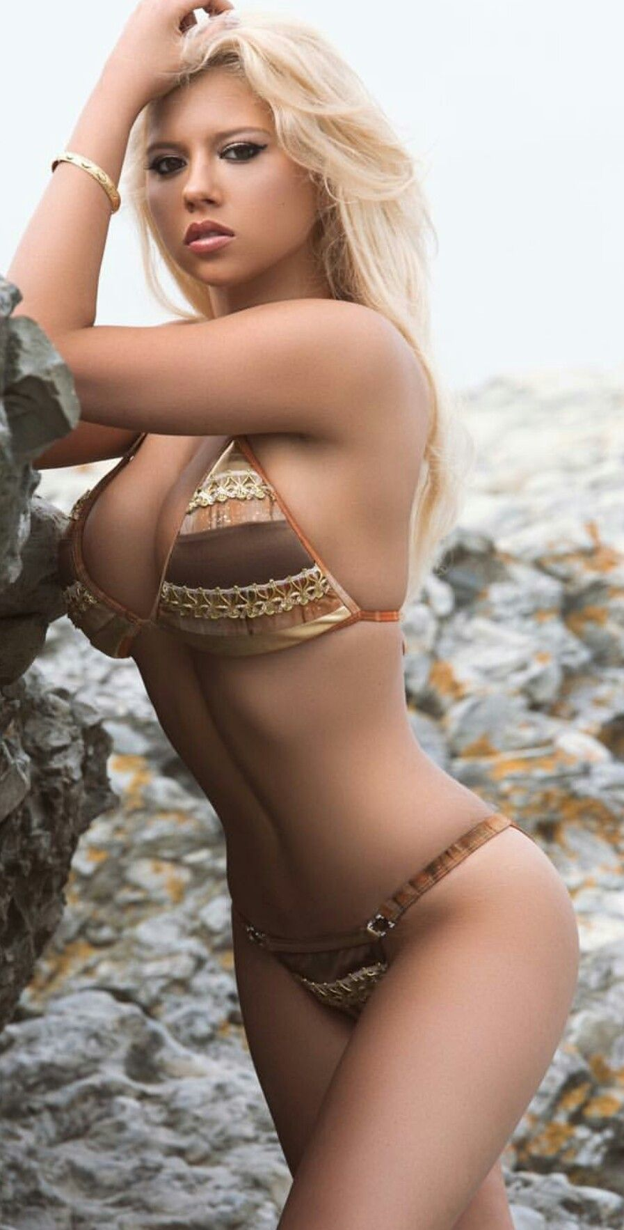 baf1467078923 Hot Bikini Girl