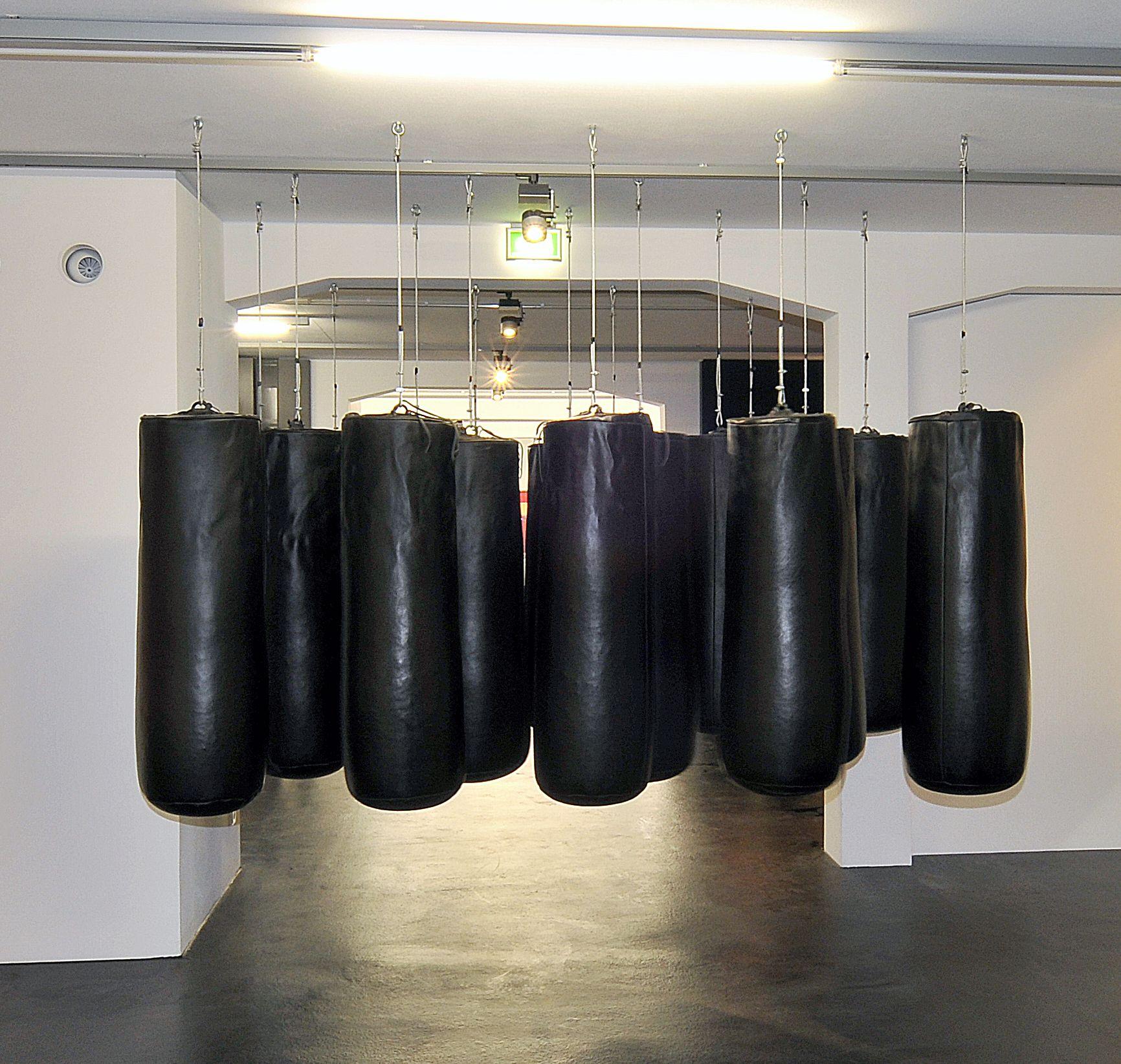 FLATZ: Bodycheck/Physical Sculpture No.5, 1992. FLATZ Museum, Dornbirn.