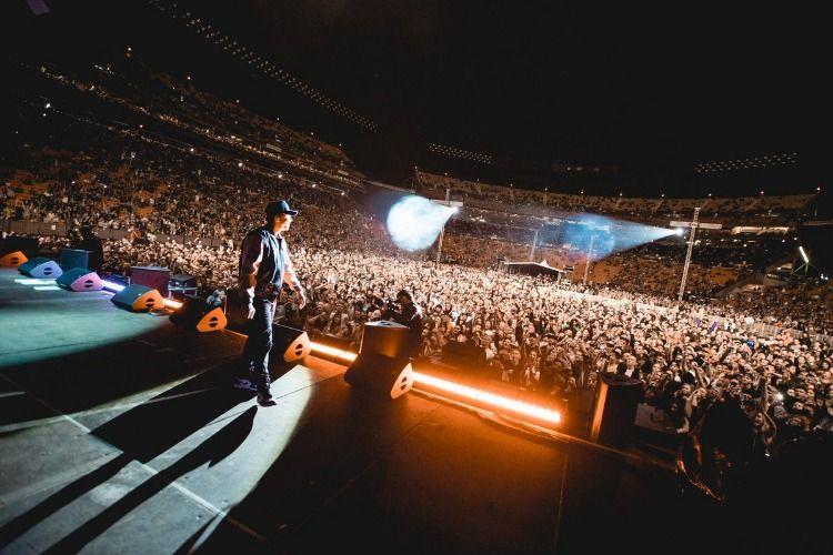 Logic performing in #Hawaii with #Eminem  #VMG