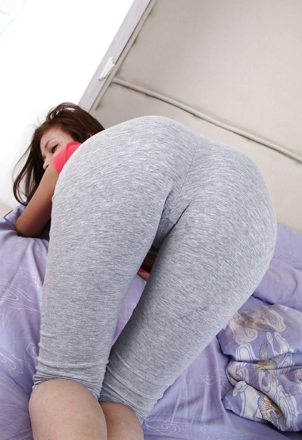 Spread big black ass pussy