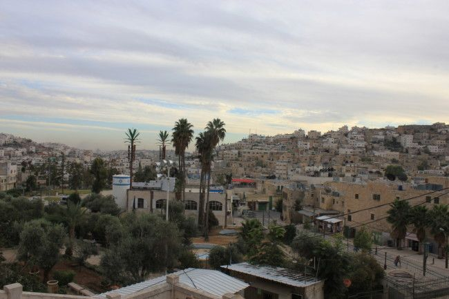 Visiting Hebron on a dual narrative tour in the West Bank // @abrahamtours