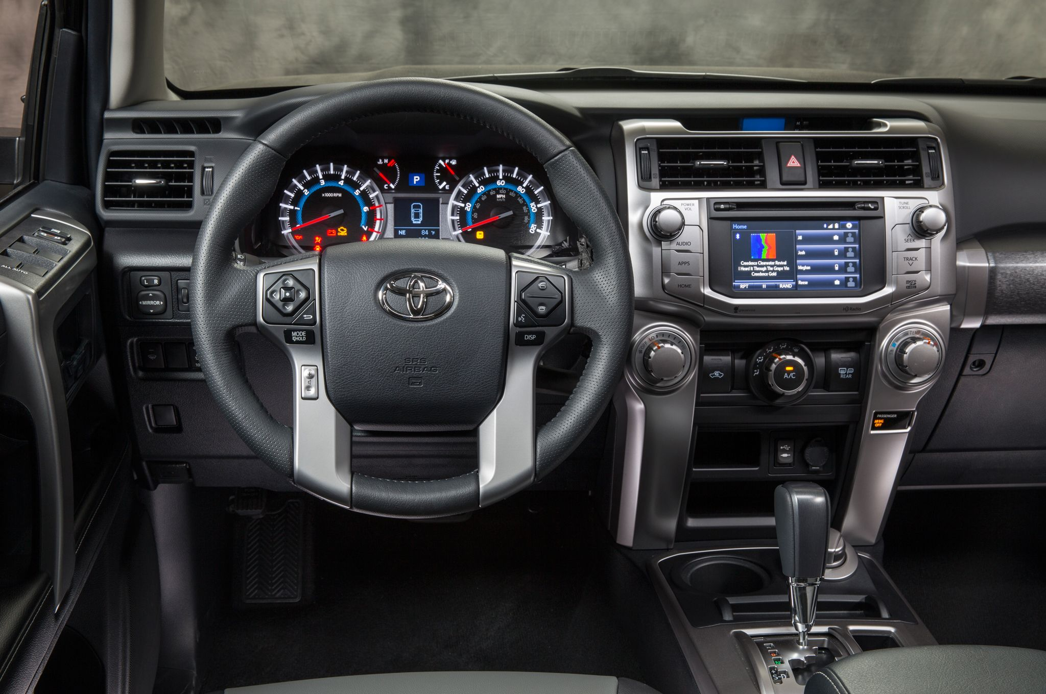 Toyota 4runner 2015 Grey Interior D 3 I Like This Car Is Hugeee Idk But It Looks Like An Airplane 3 Toyota 4runner Toyota 4runner Interior 4runner