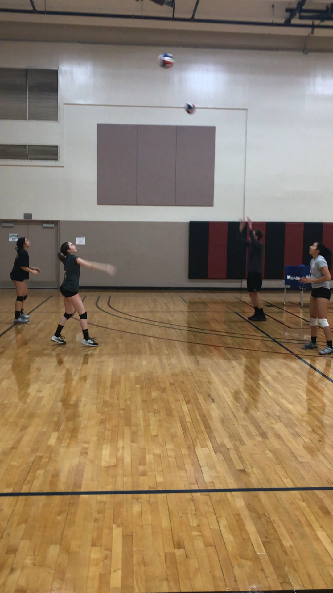 Essential Volleyball Setting Drills Taught By 5 Pro Setter Specialists Video Video Volleyball Drills Coaching Volleyball Volleyball Workouts