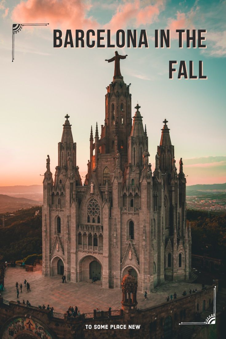 Barcelona Spain Travel Tips for fall | Barcelona Photography ideas | Barcelona Spain travel guide festivals Sagrada Familia Beach where to stay | Get the Barcelona beautiful places to visit in September #barcelonacity #fall