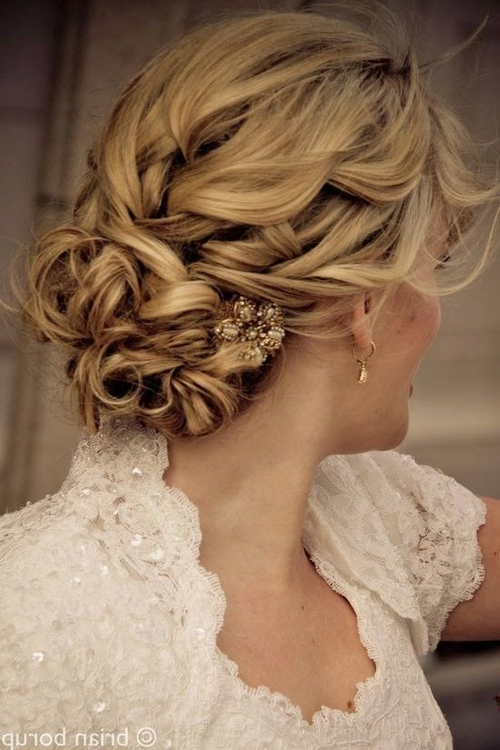 coiffure femme mariage 2014 mariage curly wedding hair. Black Bedroom Furniture Sets. Home Design Ideas