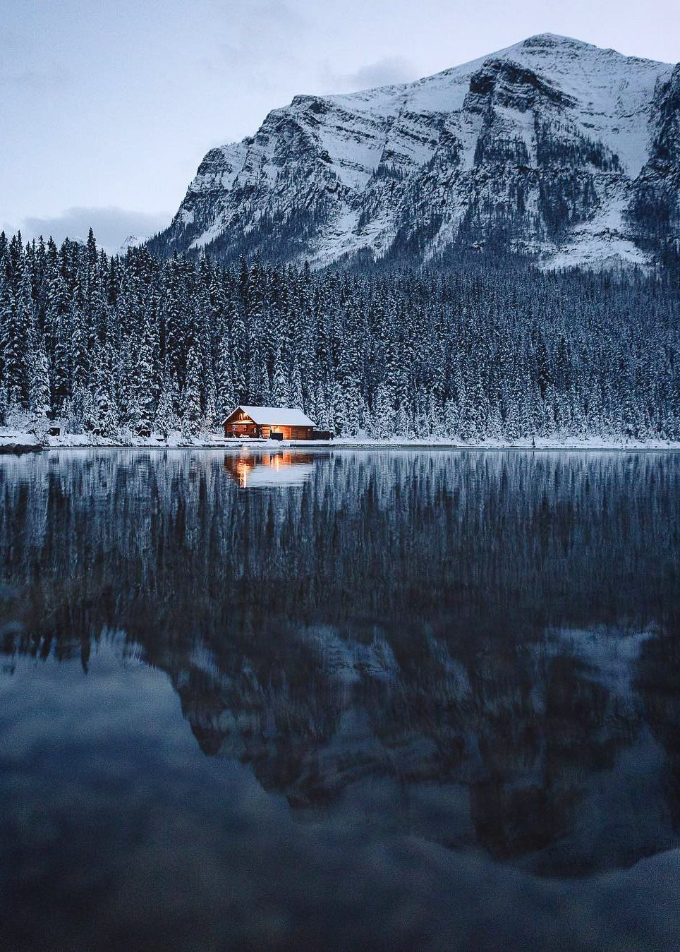 "coiour-my-world: ""Lake Louise, Alberta | mlbourne """