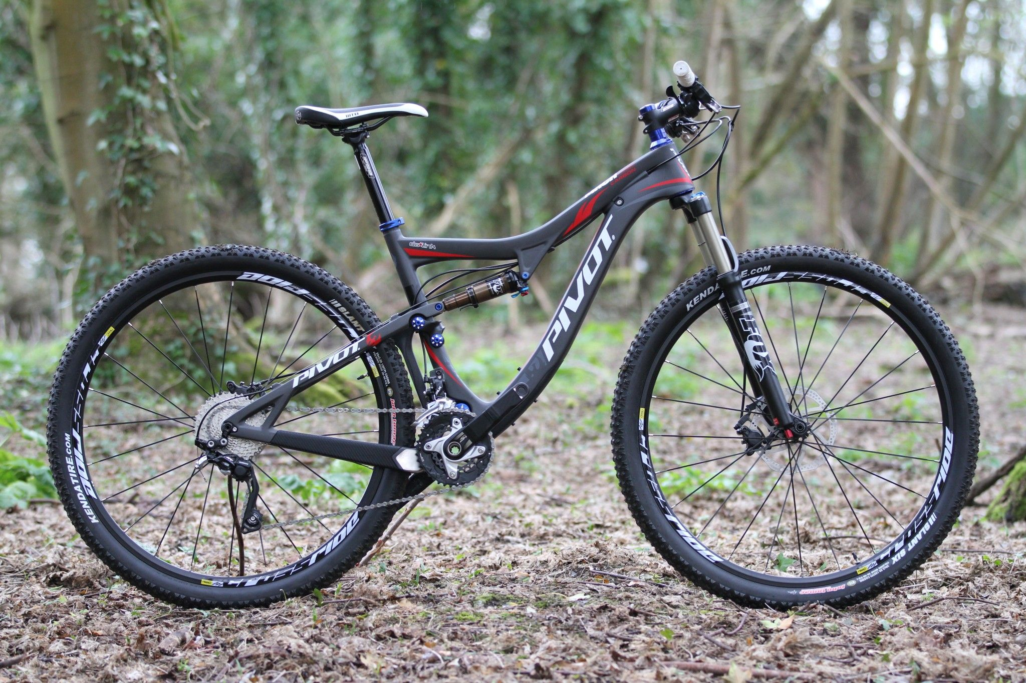 Read our Pivot Mach 429 Carbon review. Maybe you would like to have one as well. If the answer is yes then visit UK Cycle Centre.