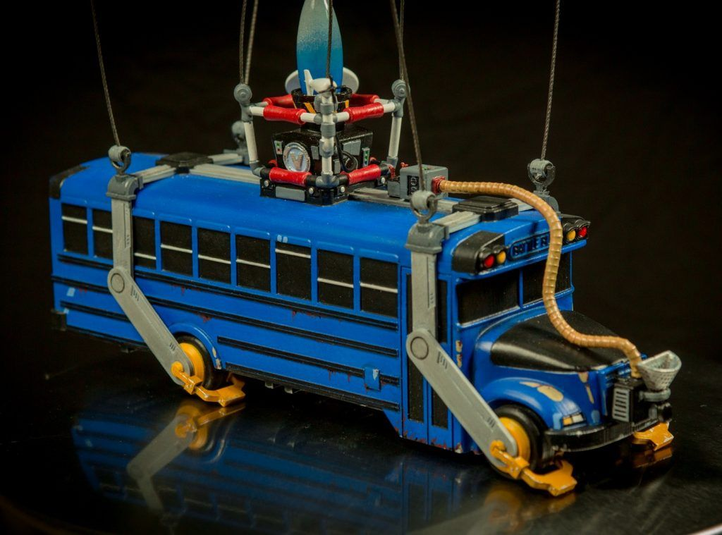 All Aboard This 3d Print Of Fortnite S Battle Bus Porcelana Fria