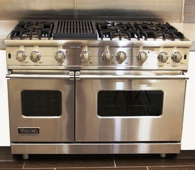 Nestle Kitchens Viking Range 6 Burner With Grill. Love!