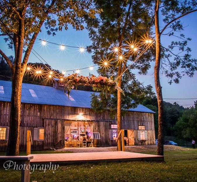 The Old Barn At Brown County Is A Rustic Elegant Wedding