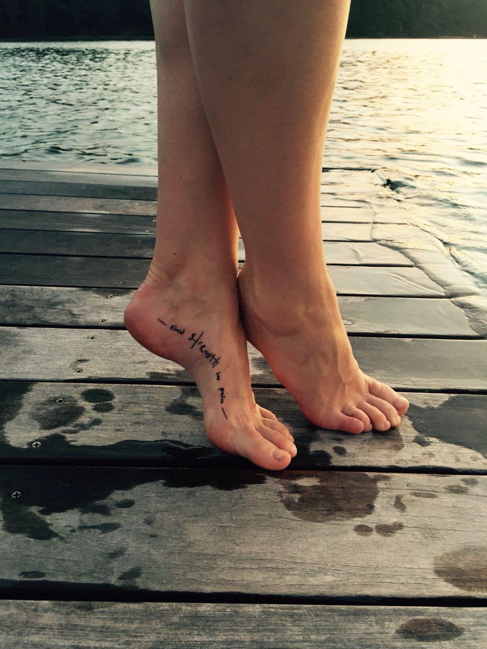 прикольные тату на ноге женские фото