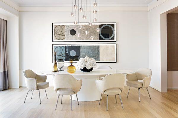 Designer Jessica Lagrange Created A Softly Minimalist Tableau With A - Knoll pedestal table