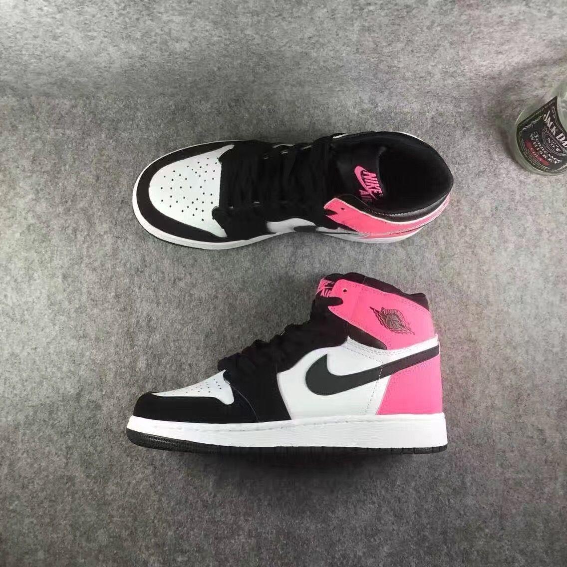 6cb1b48cf54f ... Nike Air Jordan 1 RETRO HIGH OG GS  Valentine s Day    SUPCLUB High  Street ...