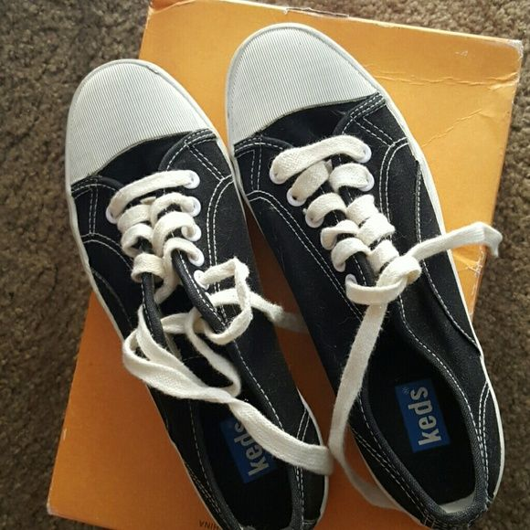 fd0d4c2be65360 Keds tennis shoes Super cute..Too small for me =( Keds Shoes Sneakers