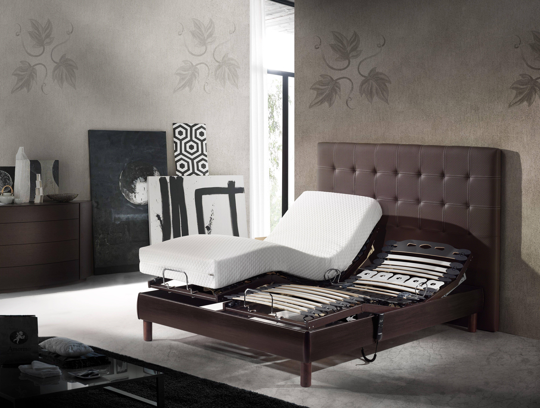 Colchón Milos junto a cama articulada modelo Quercus y cabecero Degas 24.