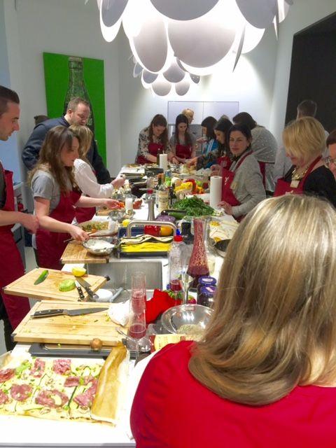Fröhliche Koch-Gemeinschaft