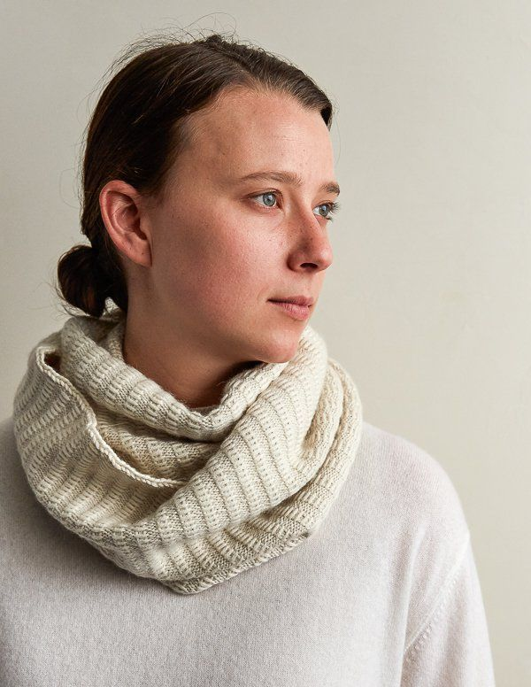 Floats Cowl | Purl Soho | beautiful woman | Pinterest | Tejido