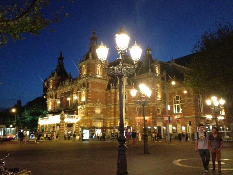 암스테르담에서의 마지막 밤